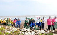 """Ninh Bình: Phát động chương trình """"Chung tay bảo vệ môi trường và Giải chạy Barefoot trên bãi biển"""""""