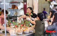 """Hà Nội: Đi """"chợ nhà giàu"""", 10 phút là sắm đủ mâm cỗ Tết"""