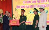 Thủ tướng Nguyễn Xuân Phúc chúc Tết lực lượng vũ trang và nhân dân TP Đà Nẵng ngay ngày đầu năm mới