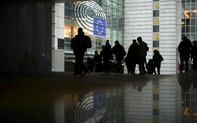 """""""Bí ẩn"""" lễ ký kết thoả thuận Brexit kín giữa hai cơ quan chủ chốt của EU"""