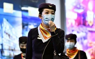 Bị chỉ trích vì cấm tiếp viên đeo khẩu trang, hãng hàng không thay đổi quyết định 180 độ