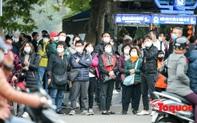 Đề phòng mắc virus nCoV, người dân Thủ đô không rời khẩu trang y tế khi du xuân