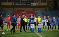 Bóng đá Việt Nam chung tay ủng hộ, hướng về đồng bào miền Trung