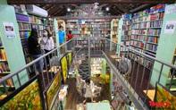 """Ghé thăm tiệm sách độc đáo lâu đời bậc nhất trên """"phố sách Đinh Lễ"""""""