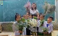 """""""Món quà đẹp nhất"""" của học sinh ngày 20/11 khiến cô giáo vùng cao vừa nhận đã rơi nước mắt"""