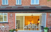 Đôi vợ chồng mua căn nhà xấu nhất phố và cải tạo thành không gian đẹp mỹ mãn khiến những người từng từ chối mua tiếc hùi hụi