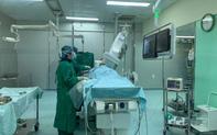 """40 phút """"nghẹt thở"""" cứu sống nam bệnh nhân bị nhồi máu cơ tim cấp"""