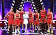 Dàn mỹ nam Saigon Heat lên sóng gameshow, Christian Juzang khiến nữ hoàng kim cương Lý Nhã Kỳ cảm động phát khóc chỉ sau một cái ôm
