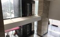 """Vụ người đàn ông rơi từ tầng 2 thang máy chung cư xuống đất ở Hà Nội: """"Thang do chủ đầu tư lắp đặt thêm, sai thiết kế và vận hành chui"""""""