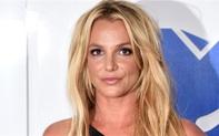 Britney Spears bị gãy chân khi đang khiêu vũ