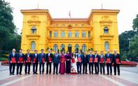 Phong hàm Đại sứ cho các cán bộ Ngoại giao