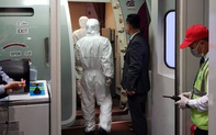 2 hành khách trên du thuyền Westerdam có người nhiễm Covid-19 đáp sân bay Tân Sơn Nhất, TP.HCM tiến hành kiểm dịch trong đêm