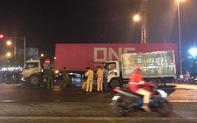 Vượt đèn đỏ, người đàn ông chạy xe máy chết thảm trước đầu xe tải