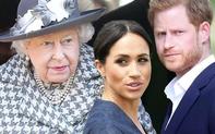 """""""Cuộc chiến"""" hoàng gia Anh: Nữ hoàng Anh chỉ nói đúng một câu cũng đủ để cho thấy vợ chồng Meghan Markle bị """"thất sủng"""" như thế nào"""
