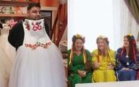Cô dâu đùng đùng đòi hủy hôn vì hành động vô duyên của chú rể đối với dàn phù dâu