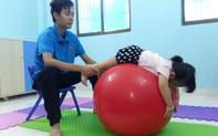Chuyện ấm lòng ở ngôi trường chuyên biệt tại Sài Gòn: Phụ huynh cho vay tiền để trả lương giáo viên những ngày con nghỉ học