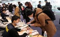 Người Hàn bị Trung Quốc bắt buộc cách ly tại sân bay, dân Hàn Quốc nổi giận với Bộ Ngoại giao