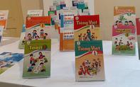 """Sách giáo khoa bị """"lỗi"""", giáo viên có quyền giới thiệu các sách khác cho học sinh"""