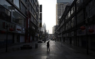 Một tháng Vũ Hán bị phong tỏa trong mệt mỏi và mất mát, Trung Quốc đau đầu vì dân bắt đầu chủ quan