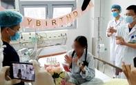"""Trở về từ """"cửa tử"""", cô gái 18 tuổi đón một sinh nhật khó quên tại BV Bạch Mai"""