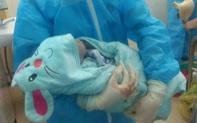 Nghệ An: Một bé trai chào đời trong khu cách ly Covid -19