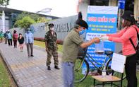 Ấm lòng hàng chục điểm phát cơm miễn phí trong mùa dịch cho người khó khăn ở Đà Nẵng