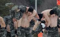 """Bên trong khu quân sự nơi Son Heung-min chuẩn bị """"hành xác"""" 3 tuần: Tập dùng súng máy, đối chọi với hơi cay và thực chiến như cơm bữa"""