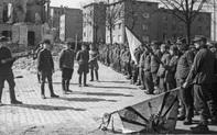 """Hàng nghìn quân Liên Xô tử trận sau Ngày Chiến thắng: Nỗi khiếp sợ khiến quân Đức quyết """"mở đường máu"""""""