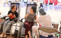 Giáo viên ngành GD&ĐT quận Hoàn Kiếm tham gia phong trào hiến máu tình nguyện