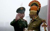 """Quân đội Trung, Ấn đối đầu trên nóc nhà thế giới: Nguy hiểm """"căng"""" tới mức nào?"""