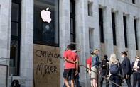 """Apple Store trên khắp nước Mỹ thay đổi diện mạo """"kín mít"""" vì sợ bị người biểu tình tấn công"""