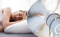 """Liệt mặt chỉ sau 1 đêm nằm ngủ: """"Thủ phạm"""" là một thói quen nhiều người làm trong mùa nóng"""