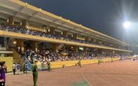 Đại chiến Hà Nội FC - HAGL: Khán giả phủ kín sân Hàng Đẫy
