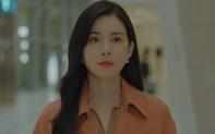 """Khi hoa tình yêu nở: Không chịu nổi chuỗi liên hoàn ghen tuông từ """"bà cả"""", """"tiểu tam"""" Ji Soo quyết định vứt bỏ sĩ diện, lên giường với tình cũ"""