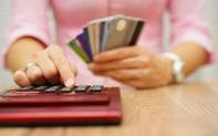Những điều cần biết về lãi suất thẻ tín dụng và cách tránh bị tính lãi trả chậm cho chị em