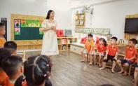 Video: Thích thú với lớp học làm MC của các bé mầm non