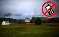"""Thị trấn kỳ lạ cấm sử dụng điện thoại di động, cấm luôn cả Wi-Fi, ai vi phạm là bị """"bế về đồn"""" luôn"""