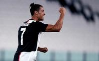 Ronaldo sút phạt thành bàn sau 2 năm chờ đợi, Juve băng băng đến ngôi vô địch