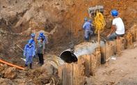 Hà Nội: Đường ống nước sạch sông Đà lại gặp sự cố, hàng nghìn hộ dân phía Tây thành phố mất nước sinh hoạt