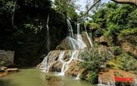 Chiêm ngưỡng vẻ đẹp của thác Dải Yếm giữa cao nguyên Mộc Châu