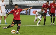 Tình huống Bruno Fernandes bất ngờ bỏ thói quen sút penalty để đánh lừa thủ môn Copenhagen