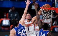 Devin Booker thiết lập kỷ lục trong ngày Phoenix Suns bảo toàn thành tích bất bại trước Philadelphia 76ers