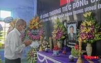 Lãnh đạo, nhân dân Thừa Thiên Huế viếng nguyên Tổng Bí thư Lê Khả Phiêu tại làng Rồng