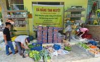 """Ấm lòng """"quầy hàng thực phẩm 0 đồng"""" ở Đà Nẵng"""