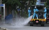 Quân đội phun khử khuẩn phòng dịch Covid-19 khu vực quận Sơn Trà