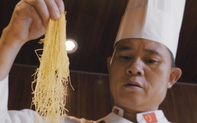 Điều đặc biệt từ món mì vàng mỏng như sợi chỉ của Trung Quốc