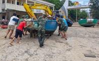 Biên phòng Quảng Trị giúp người dân chằng chống nhà cửa, đưa tàu thuyền vào bờ trú bão
