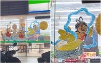 """Dân tình """"hết hồn"""" với tranh vẽ chị Hằng đón Trung thu theo phong cách """"cô hồn quay trở lại"""" nằm chình ình trên cửa siêu thị"""