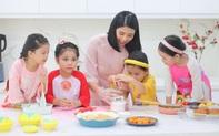 Hoa hậu Ngọc Hân háo hức làm bánh đón Trung thu