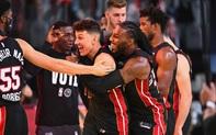 """""""Lính mới"""" Tyler Herro quật ngã Boston Celtics, Heat còn cách NBA Finals một game đấu"""
